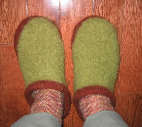 Felted_clog_on