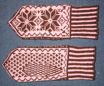 Nordic_mitten_front_and_back